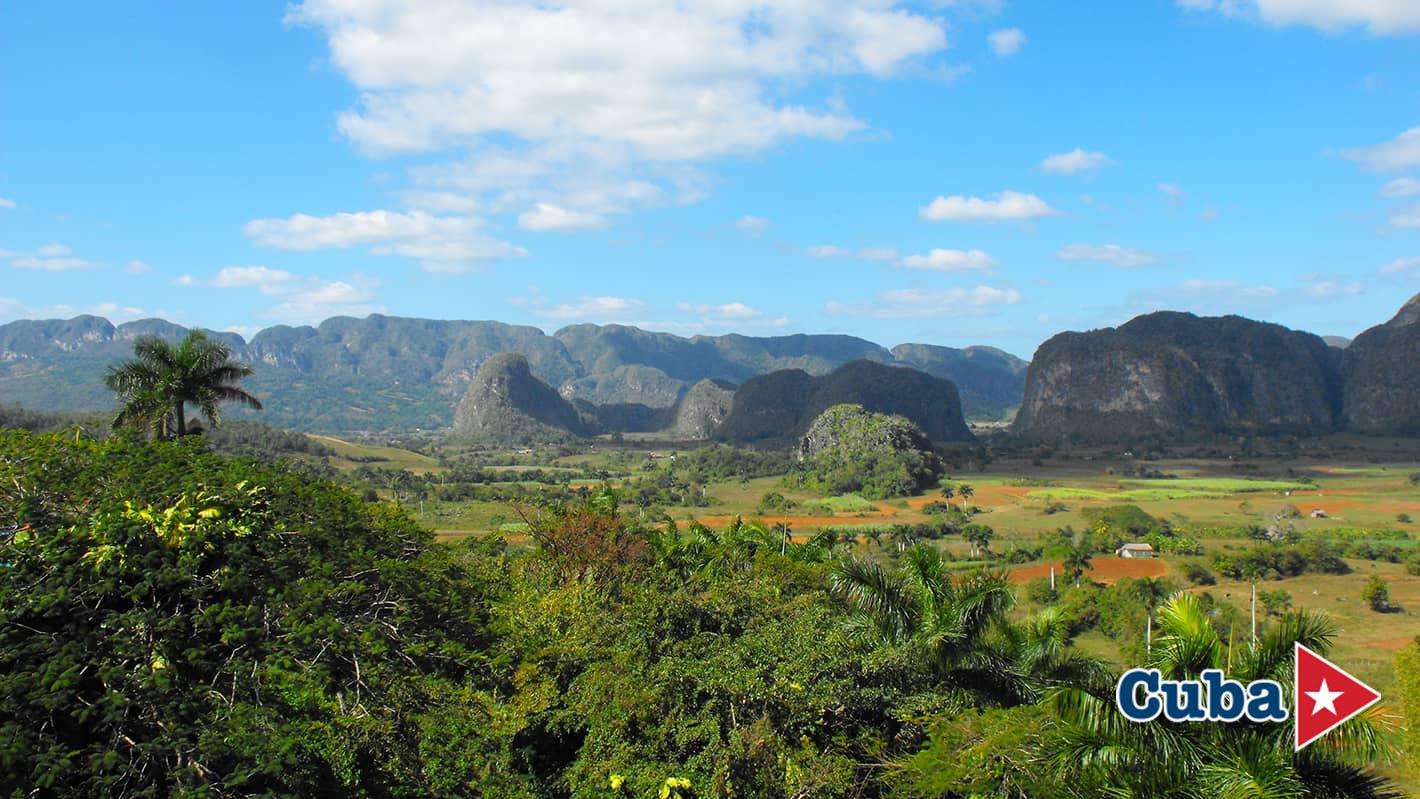 Πανοραμική απόψη της κοιλάδας Βινιάλες