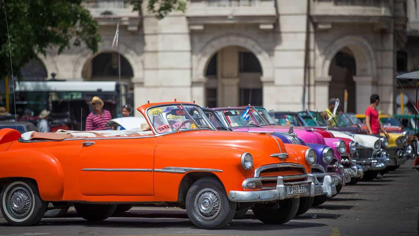 Havana old carshoneymoon travel 2