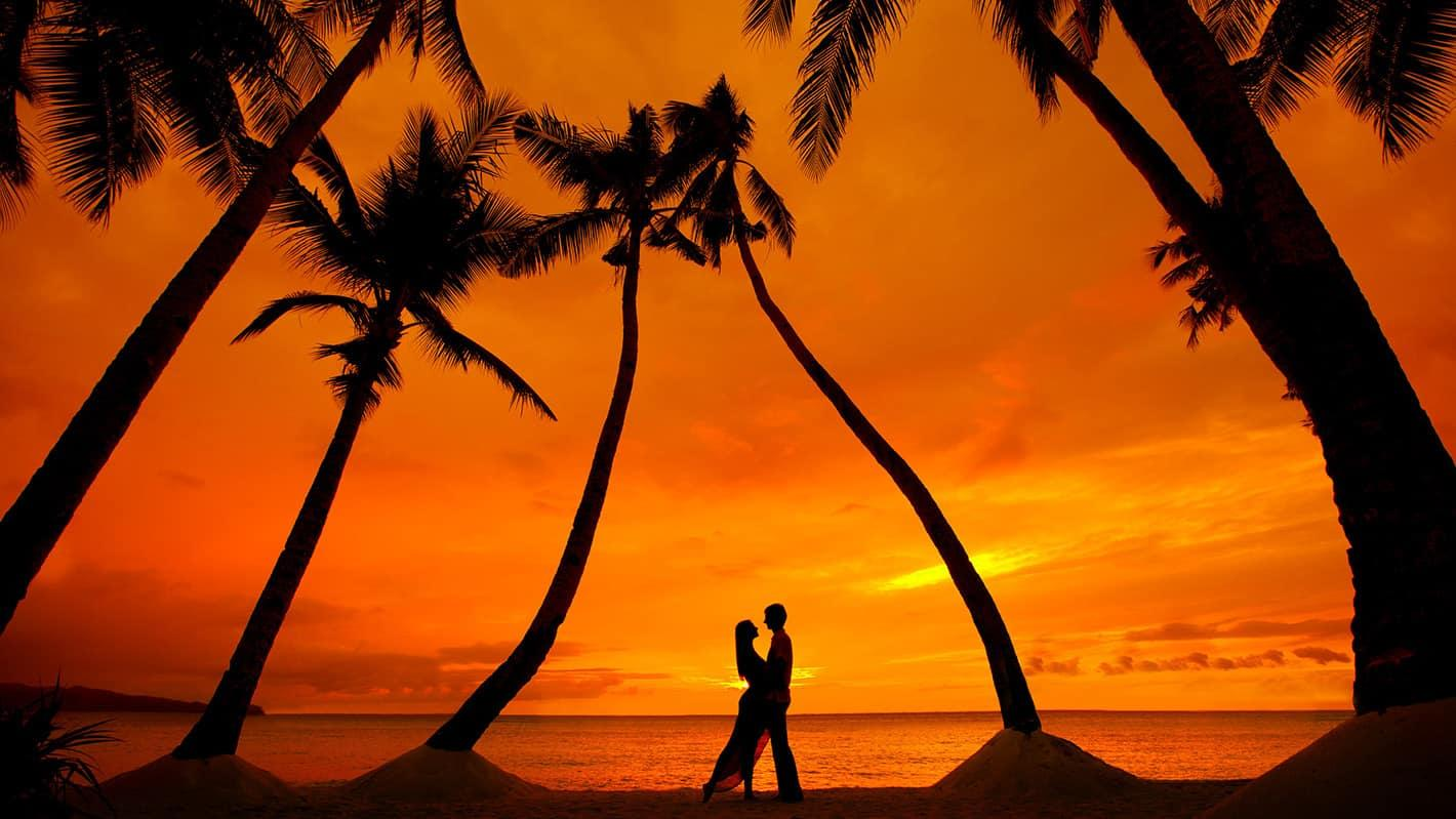 Γαμήλιο ταξίδι στην Κούβα | Ζευγάρι στο ηλιοβασίλεμα