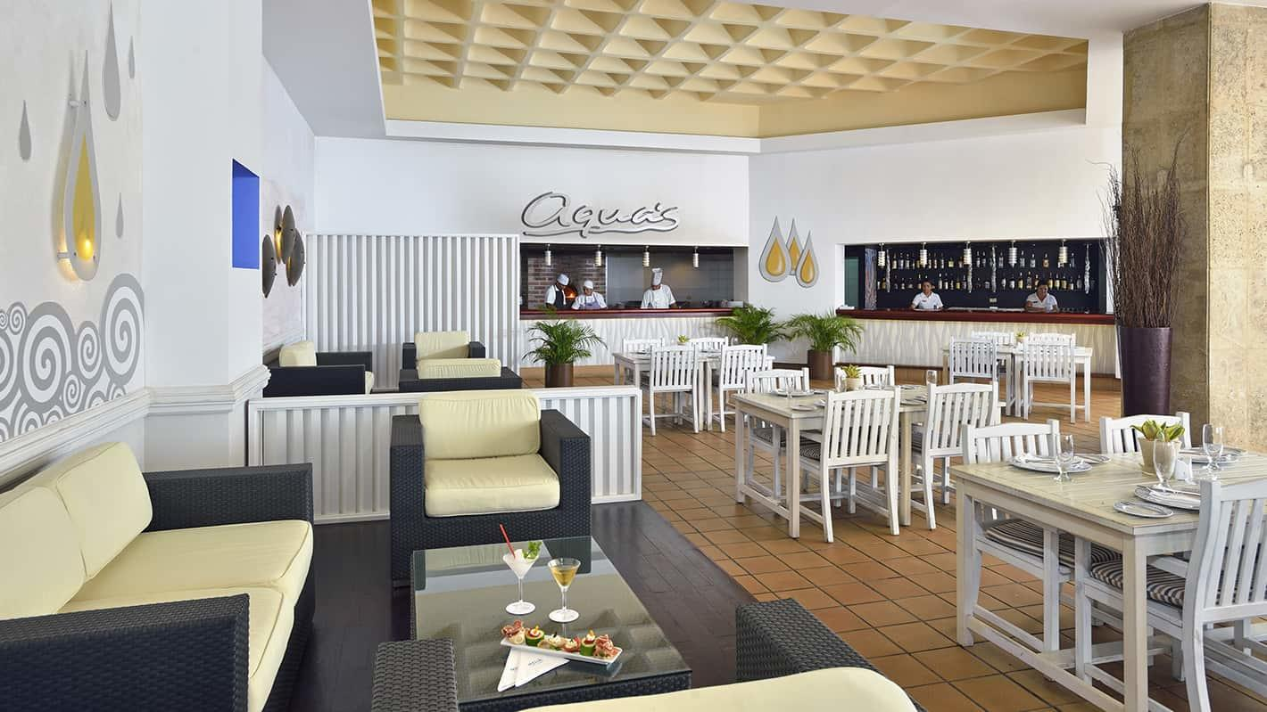 Melia cohiba hotel havana aqua grill restaurant