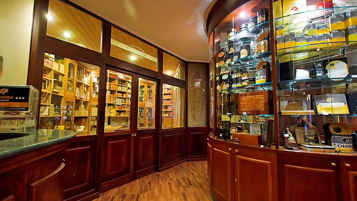 Melia cohiba hotel havana bar cigar casa del habano