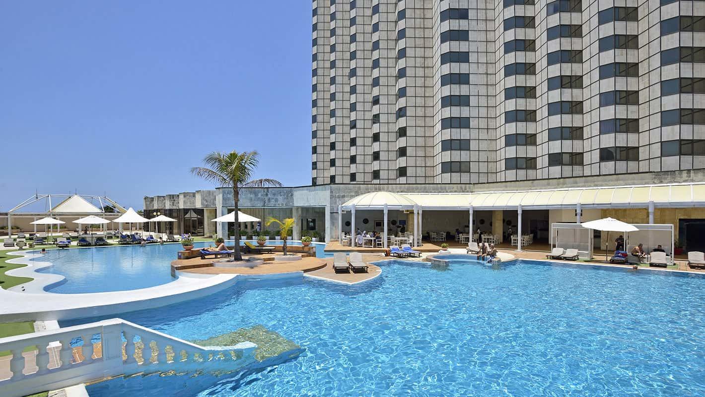Melia cohiba hotel havana pool2