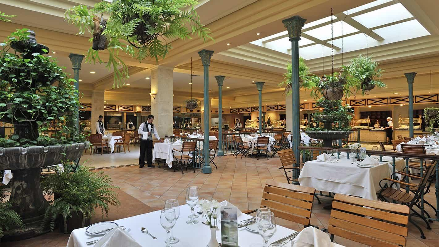 Plaza Havana Restaurant in Melia Cohiba Hotel