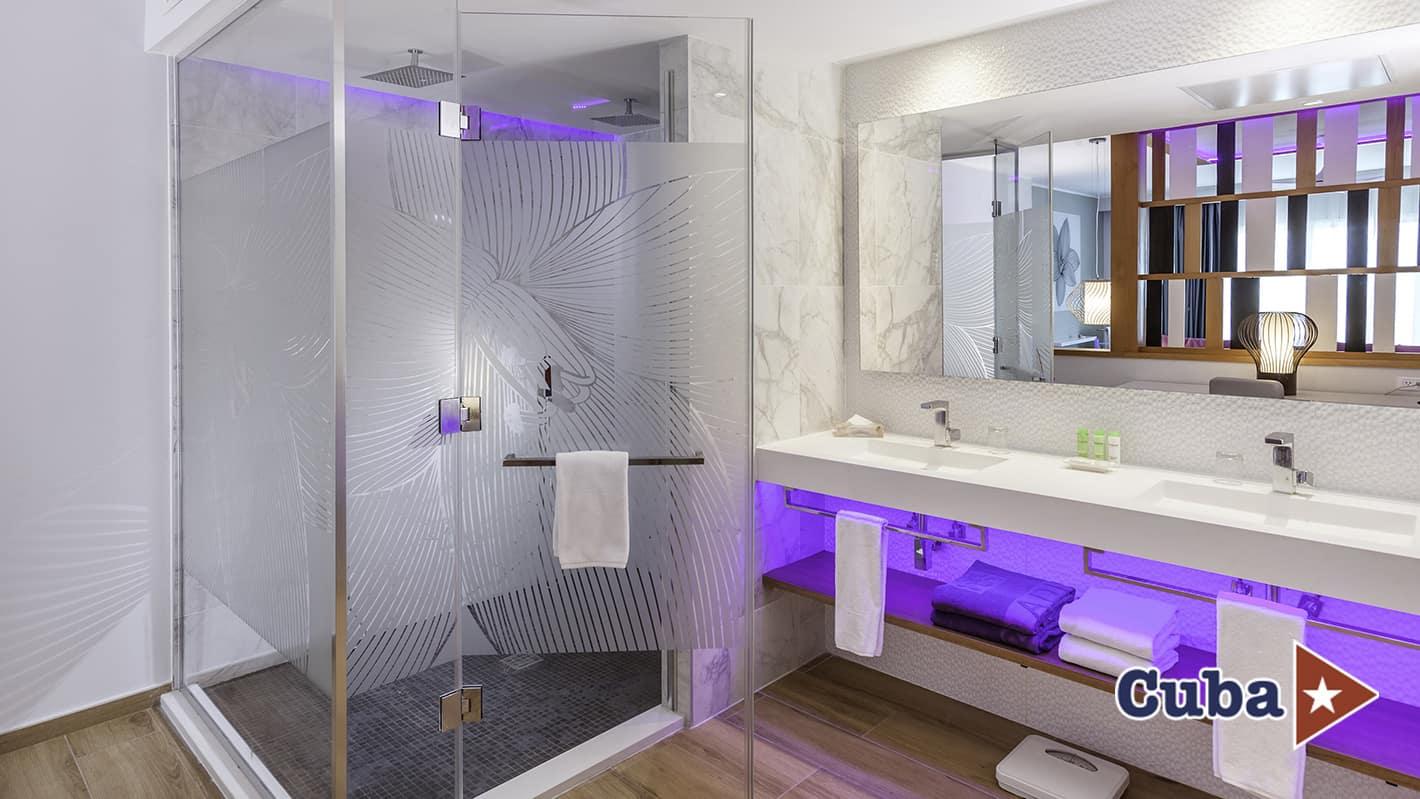 Paradisus los cayos cayo santa maria suite royal service bathromm