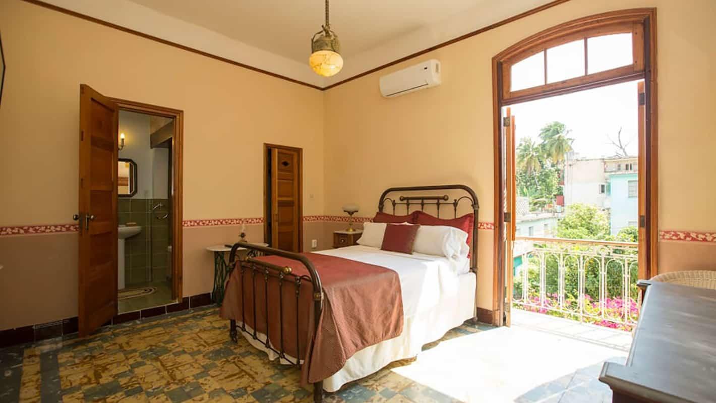 Η κρεβατοκάμαρα της βίλλας στην Αβάνα