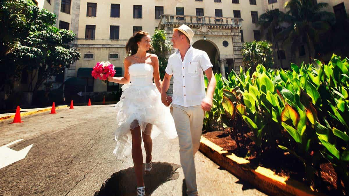 Skydream Travel custom tours for honeymooners and newly weds